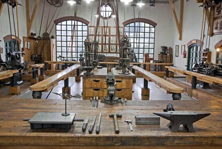 Interior del Museo de la Máquina-Herramienta.