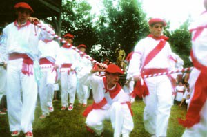 Eskualdeko dantzariak